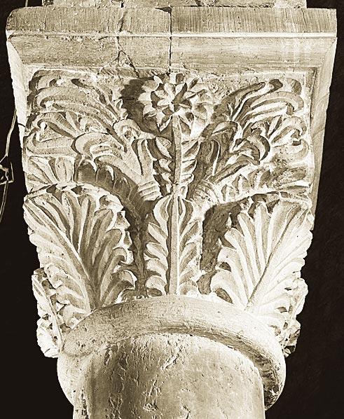 Glise de grandson chapiteau feuilles d 39 acanthe 4 - Feuille d acanthe ...
